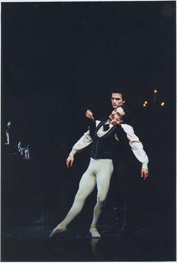 "4. Jiří and Otto Bubeníček, ""Illusions – Like Swan Lake"" by J.Neumeier, Hamburg Ballet © H.Badekow"