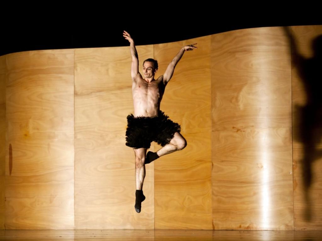 """15. Jiří Bubeníček, """"Enemy in the Figure"""" by W.Forsythe, Semperoper Ballet © C.Radu"""
