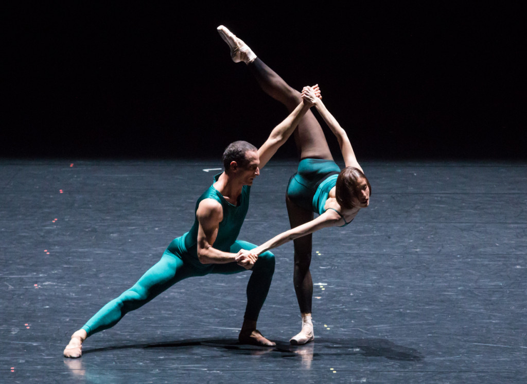 "12. J.Bubeníček and S.Gileva, ""In the Middle, Somewhat Elevated"" by W.Forsythe, Semperoper Ballet © I.Whalen"