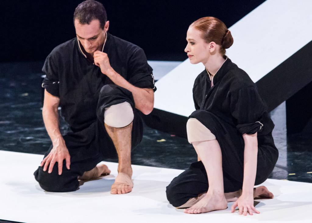 """16. Jiří Bubeníček and Sarah Hay, """"Cacti"""" by A.Ekman, Semperoper Ballet © I.Whalen"""