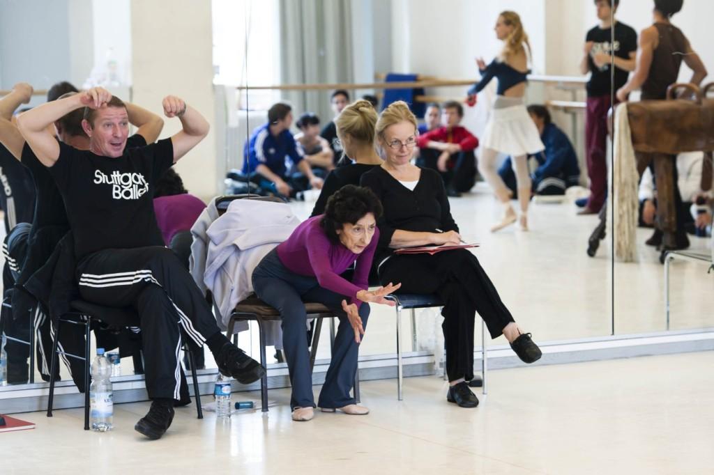 "8. T.Michel, G.Tsinguirides and A.Hall, rehearsal of ""The Taming of the Shrew"", chor.: J.Cranko, Stuttgart Ballet © R.Novitzky 2015"