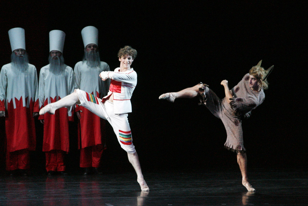 "1. V.Shklyarov, A.Popov and ensemble, ""The Little Humpbacked Horse"" by A.Ratmansky, Maryinsky Ballet © N.Razina"