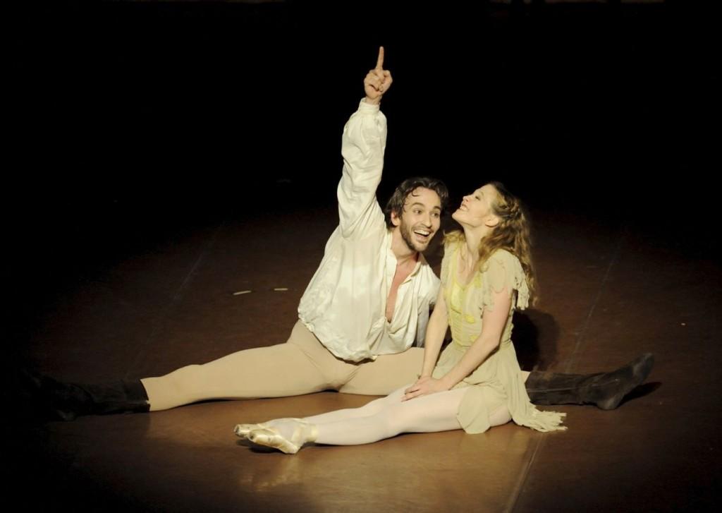 "10. J.Jelinek and A.Amatriain, ""The Taming of the Shrew"" by J.Cranko, Stuttgart Ballet © U.Beuttenmüller"