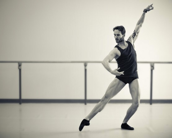 "18. J.Jelinek rehearsing ""Chroma"" by W.McGregor, The National Ballet of Canada © D.Tedaldi"