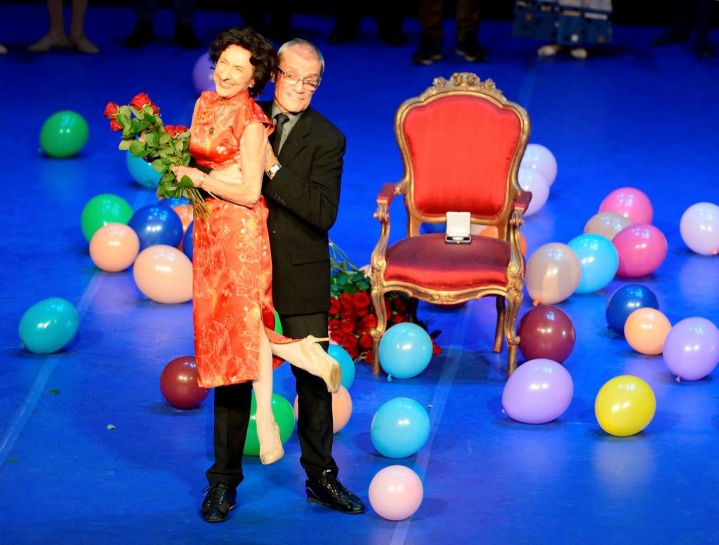 10. G.Tsinguirides and R.Anderson, Prize Giving Ceremony December 05, 2015, Stuttgart State Opera © Stuttgart Ballet 2015