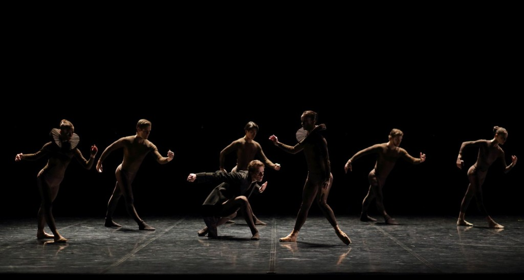"1. Ensemble, ""Ophelia, Madness and Death"" by D.Lee, Ballet de l'Opéra national du Rhin"