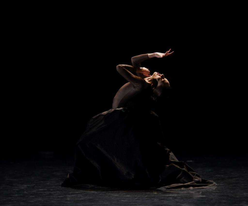 "2. S.Buisson, ""Ophelia, Madness and Death"" by D.Lee, Ballet de l'Opéra national du Rhin"