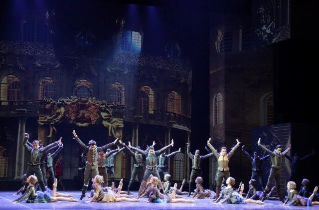 "3. Ensemble, ""Cinderella"" by M.Bigonzetti, Ballet Company of Teatro alla Scala"