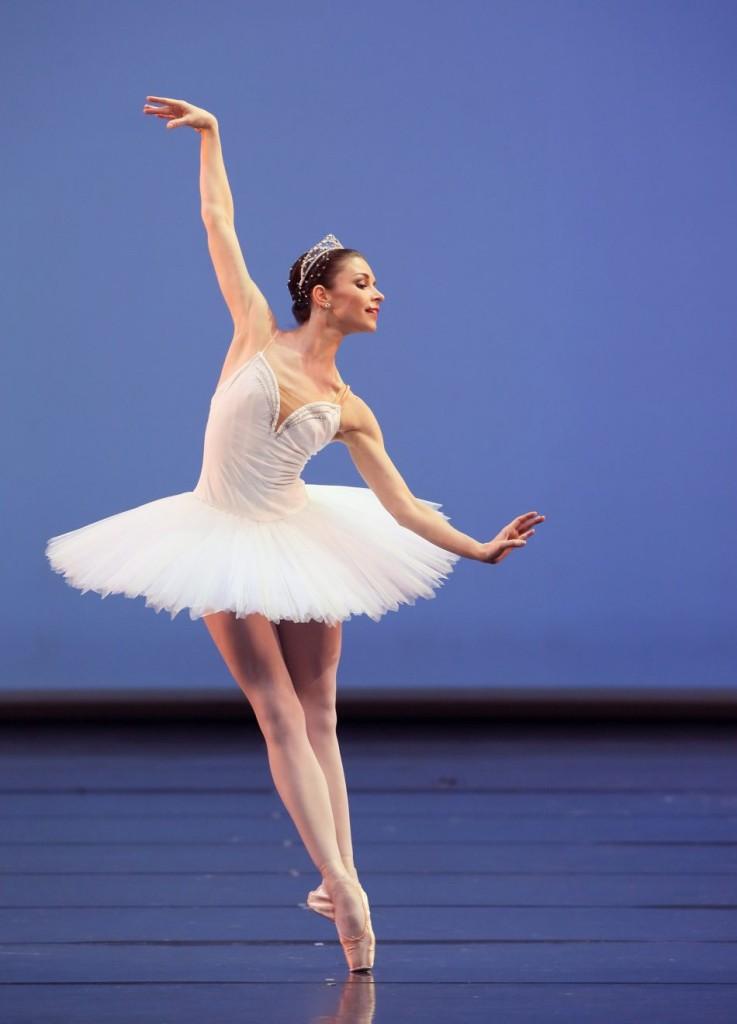 "3. E.Petina, ""Symphony in C"" by G.Balanchine, Bavarian State Ballet © W.Hösl"
