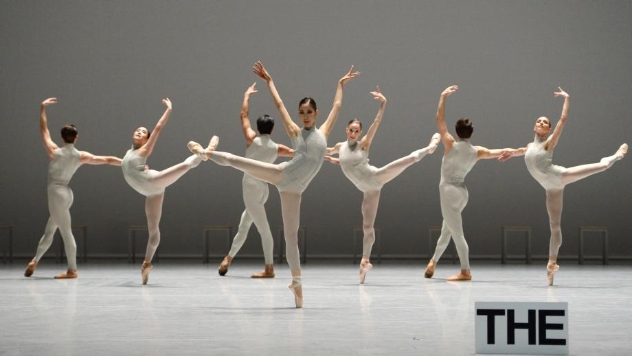"""1. A.Morita, R.Robinson, H.-J.Kang, C.Allen, A.Zuccarini, A.Soares da Silva and M.Kacerova, """"The Second Detail"""" by W.Forsythe, Stuttgart Ballet"""