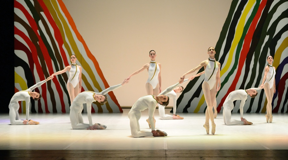 "6. A.Amatriain, J.Reilly and ensemble, ""Seventh Symphony"" by U.Scholz, Stuttgart Ballet"