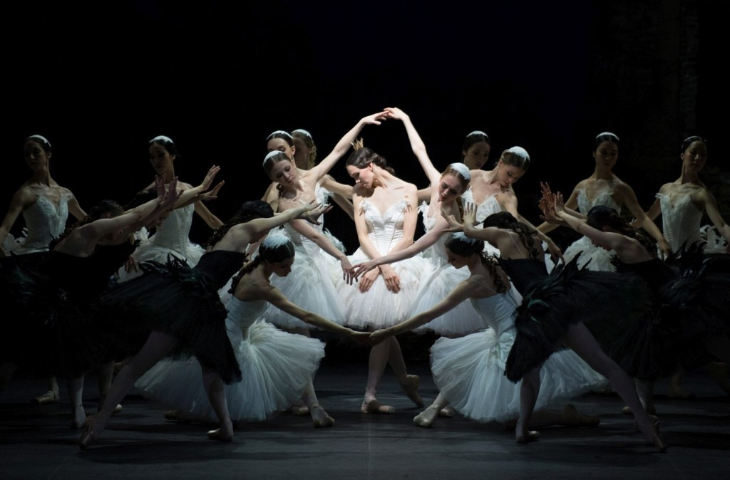 "17. V.Kapitonova and ensemble, ""Swan Lake"" by M.Petipa and L.Ivanov with additional choreography by A.Ratmansky, Ballet Zurich and Junior Ballet Zurich"