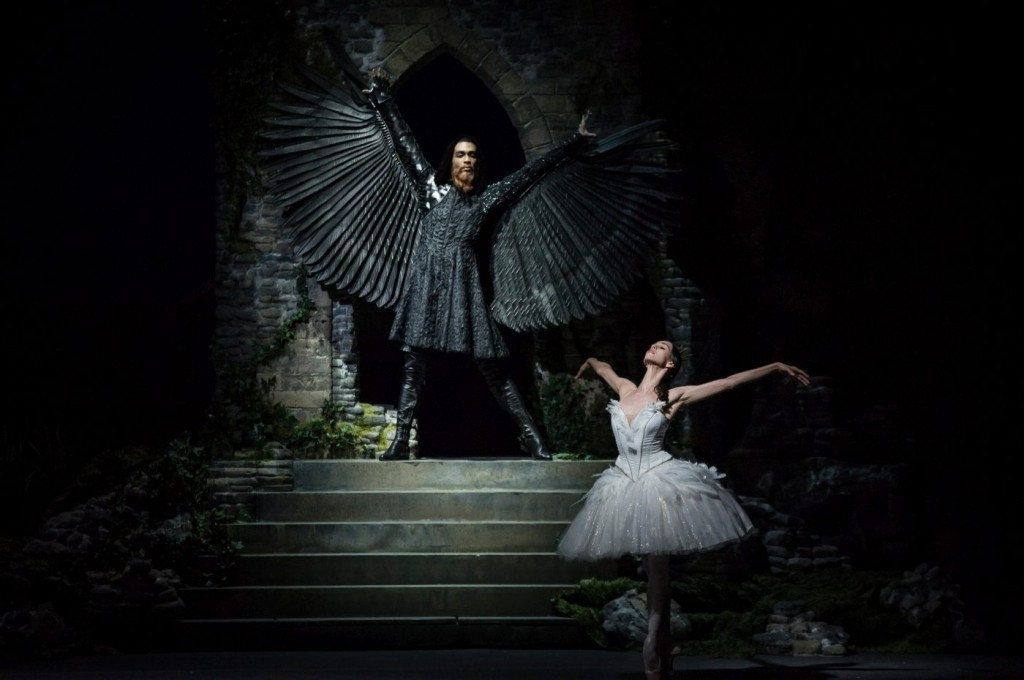 "6. M.Renard and V.Kapitonova, ""Swan Lake"" by M.Petipa and L.Ivanov with additional choreography by A.Ratmansky, Ballet Zurich"
