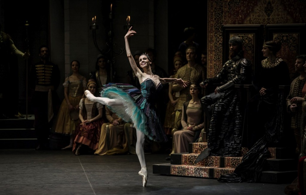 "10. V.Kapitonova, M.Renard, N.Dürig and ensemble, ""Swan Lake"" by M.Petipa and L.Ivanov with additional choreography by A.Ratmansky, Ballet Zurich and Junior Ballet Zurich"