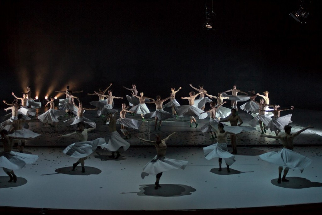 "4. Ensemble, ""COW"" by A.Ekman, Semperoper Ballet © T.M.Rives"