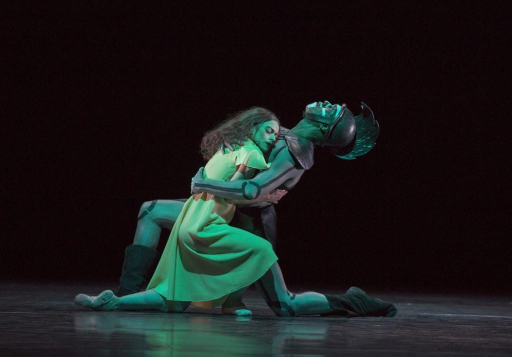 """14. M.do Amaral and C.Nzerem, """"The Green Table"""" by K.Jooss © The Jooss Estate, Ballett am Rhein © G.Weigelt"""