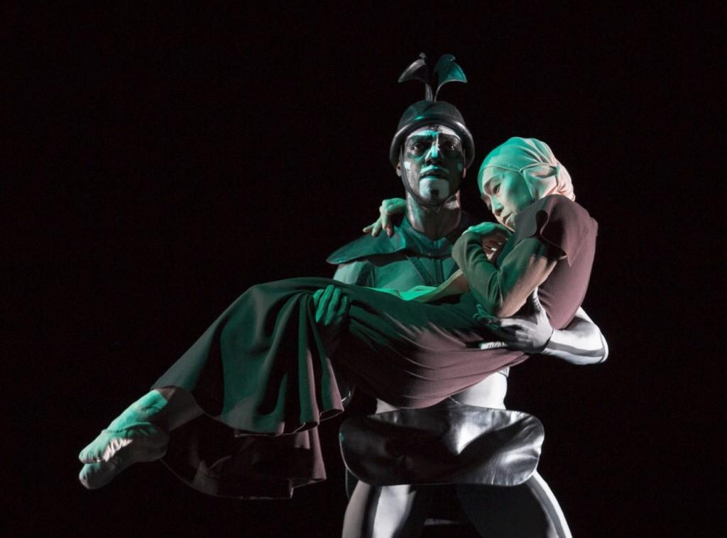 "12. C.Nzerem and Y.Kato, ""The Green Table"" by K.Jooss © The Jooss Estate, Ballett am Rhein © G.Weigelt"