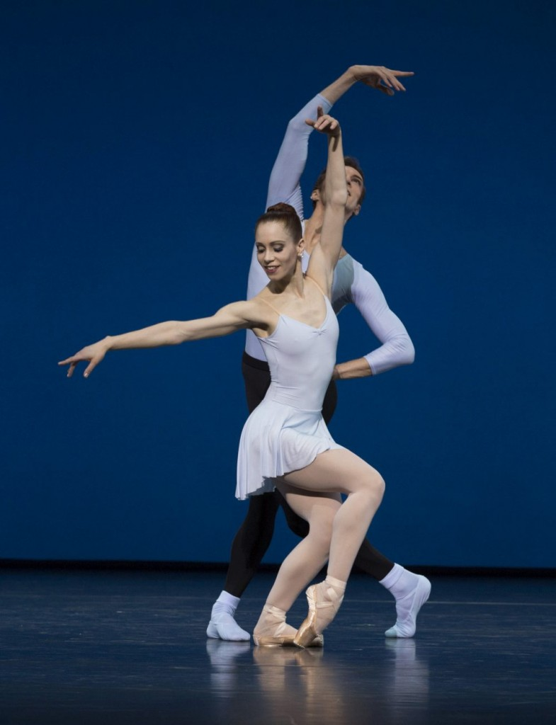 "1. A.-K.Adam and M.Menha, ""Duo Concertant"" by G.Balanchine © The George Balanchine Trust, Ballett am Rhein © G.Weigelt"