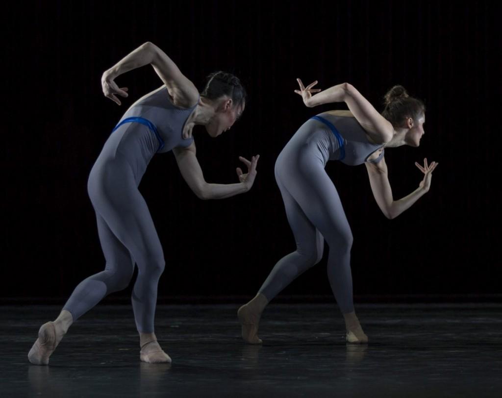 """7. Y.Kato and F.v.Dijken, """"Variations and Partitas"""" by M.Schläpfer, Ballett am Rhein © G.Weigelt"""