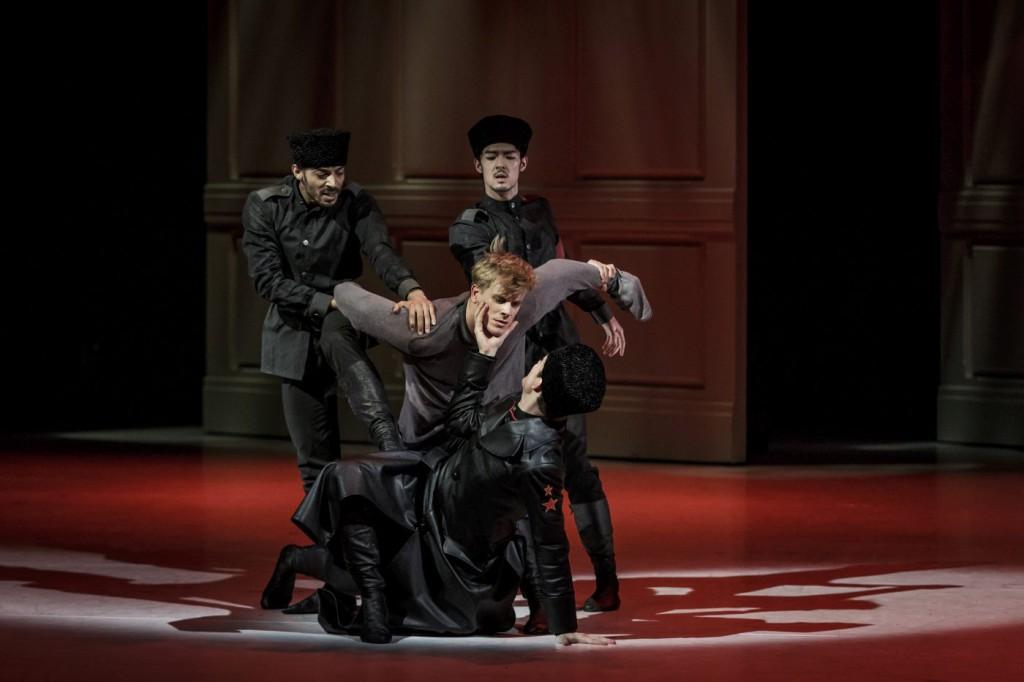 """12. H.M.Mbeng Ndong, K.Yamamoto, L.Zuschlag and L.Žiher, """"Doctor Zhivago"""" by J.Bubeníček, SNG Opera in Balet Ljubljana © D.Štravs Tisu 2016"""