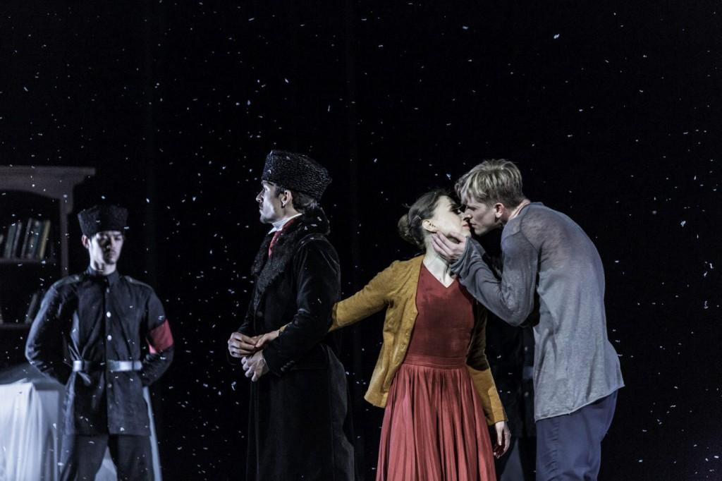 "16. P. Đorčevski, T.Kmetec, L.Zuschlag and ensemble, ""Doctor Zhivago"" by J.Bubeníček, SNG Opera in Balet Ljubljana © D.Štravs Tisu 2016"