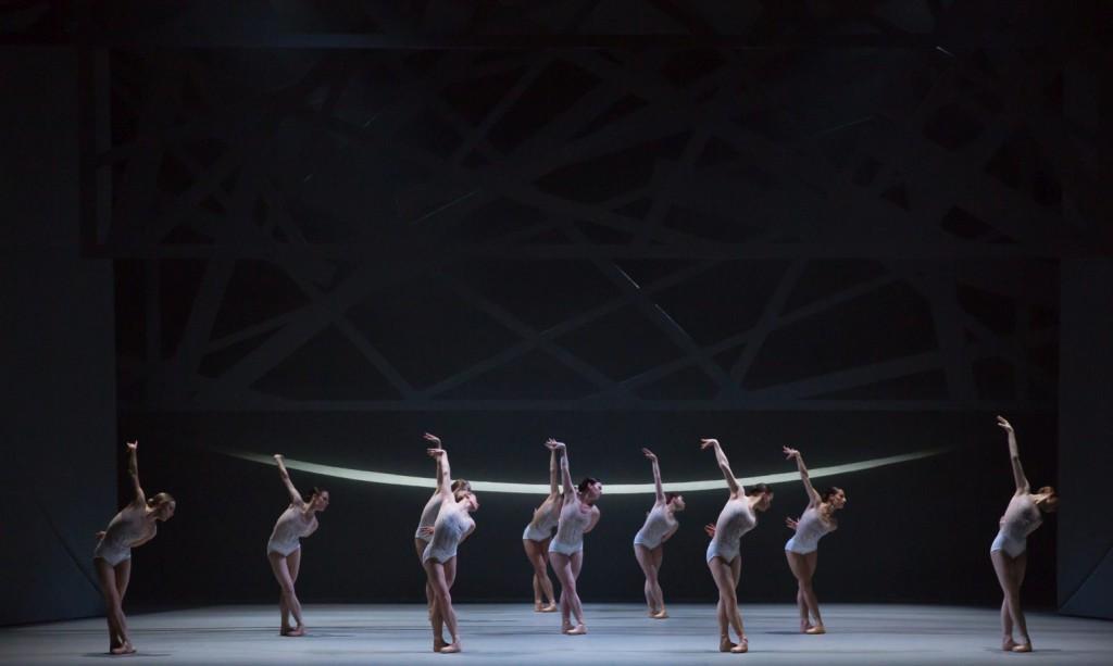 """2. Ensemble, """"Swan Lake"""" by D.Dawson, Scottish Ballet © Scottish Ballet 2016"""