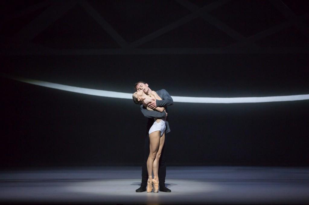 "1. S.Martin and C.Harrison, ""Swan Lake"" by D.Dawson, Scottish Ballet © Scottish Ballet 2016"