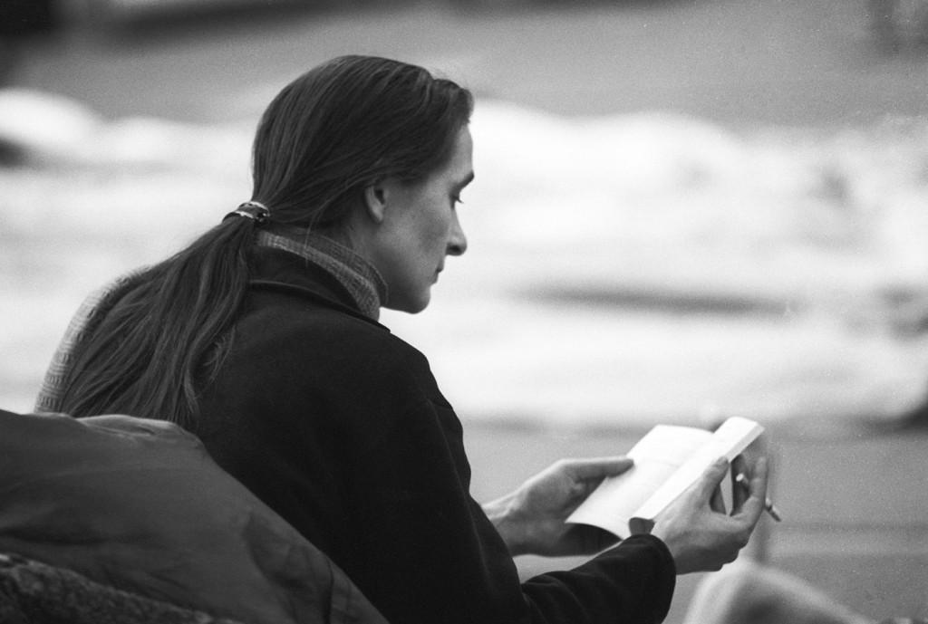 """12. P.Bausch, rehearsal of """"Er nimmt sie an der Hand und führt sie in das Schloß, die anderen folgen"""" by P.Bausch, photo by U.Weiss © Pina Bausch Foundation 2016"""