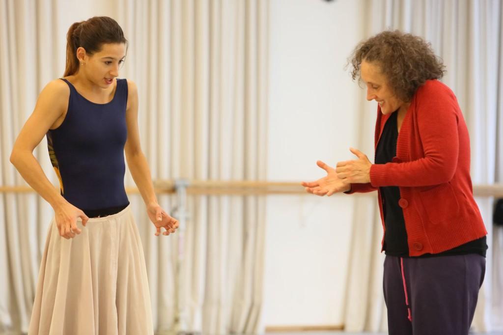 """12. M.Rudic and N.Panadero, rehearsal of """"Für die Kinder von gestern, heute und morgen"""", chor.: P.Bausch, Bavarian State Ballet © W.Hösl"""