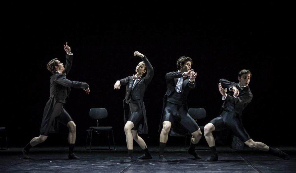 "3. B.E.Comak, F.de Souza Lopez, A.Soares de Silva and M.Miccini, ""Cello contra bass"" by R.Novitzky; Noverre Society, Young Choreographers © Carlos Quezada"