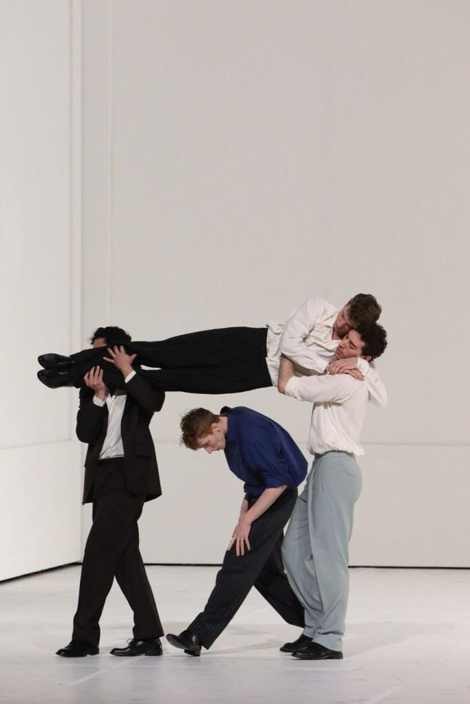 """7. N.Losada, J.Cook, R.Strona and M.Dilaghi, """"Für die Kinder von gestern, heute und morgen"""" by P.Bausch, Bavarian State Ballet © W.Hösl"""