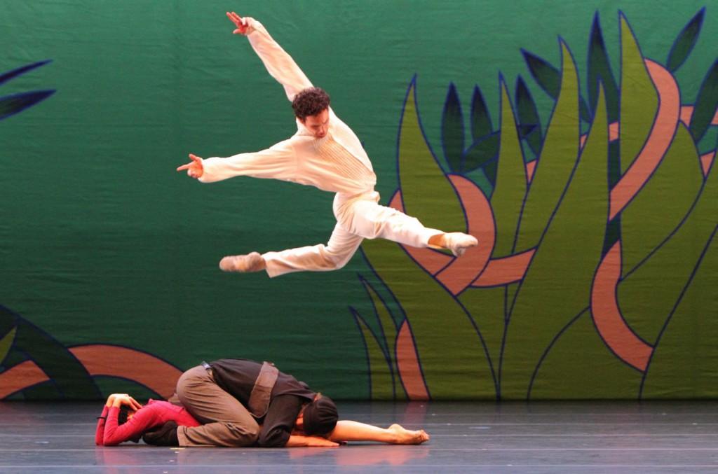 "17. G.Özgür, L.Slavický and M.Urban, ""Giselle"" by M.Ek, Bavarian State Ballet © W.Hösl"