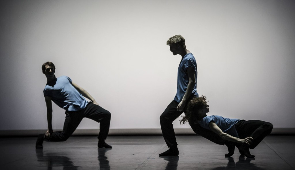 "6. R.Robinson, A.Russell-Jones and A.Zuccarini, ""HELLO my name is XANDER"" by A.McGowan; Noverre Society, Young Choreographers © Carlos Quezada"