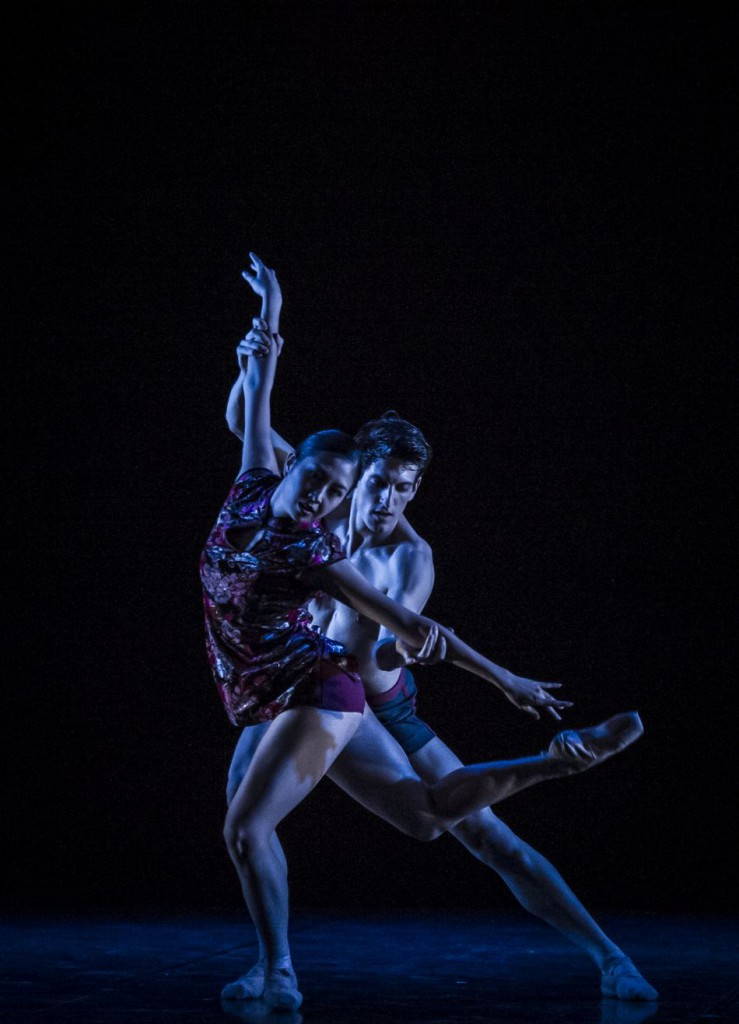 "10. A.Su and F.Adorisio, ""If only"" by R.Yang; Noverre Society, Young Choreographers © Carlos Quezada"