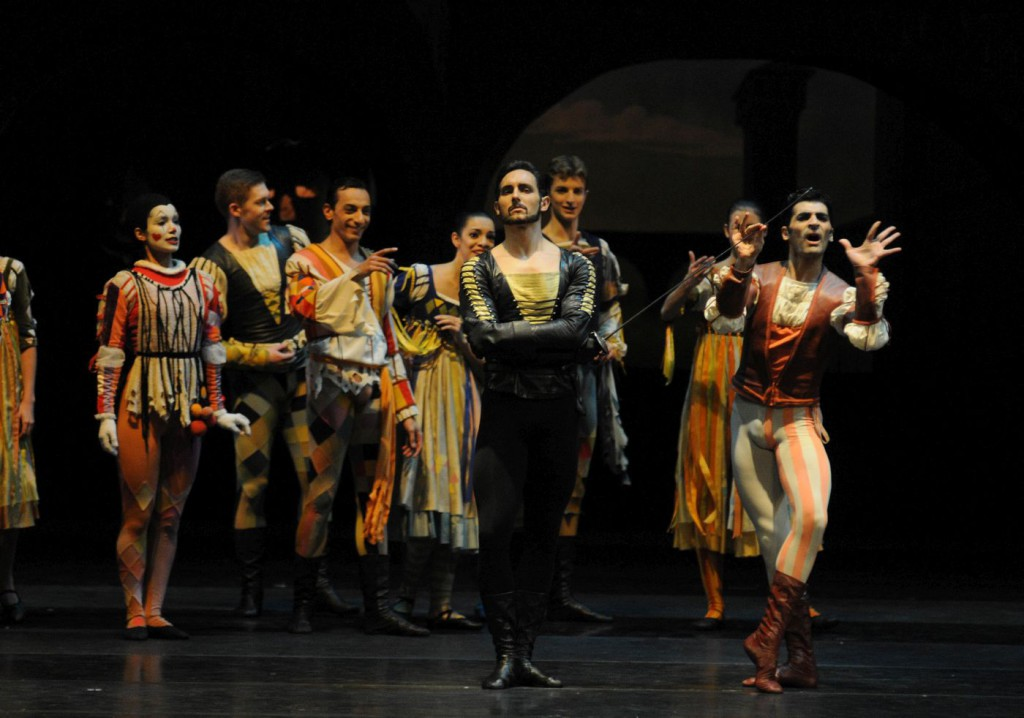 "18. M.Urban and ensemble, ""Romeo and Juliet"" by J.Cranko, Bavarian State Ballet © C.Tandy"