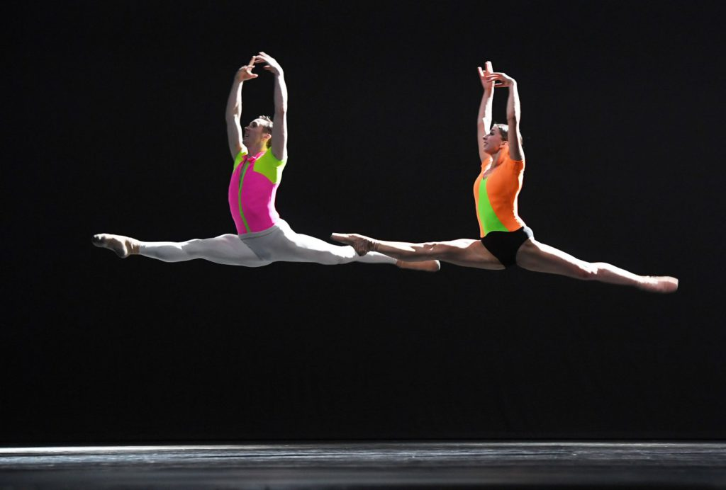 "14. J.Stout and S.Mukhamedov, ""Overture"" by D.Dawson, Dutch National Ballet © H.Gerritsen 2016"