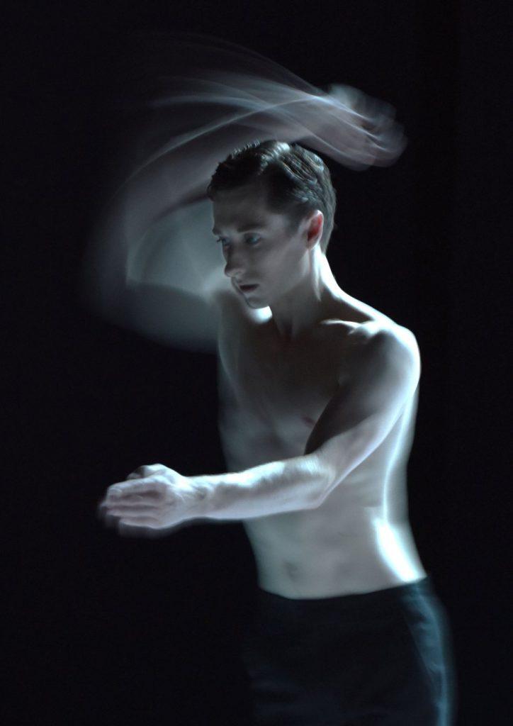 """10. L.Prunty, """"Nijinski"""" by M.Goecke, Gauthier Dance © R.Brocke 2016"""