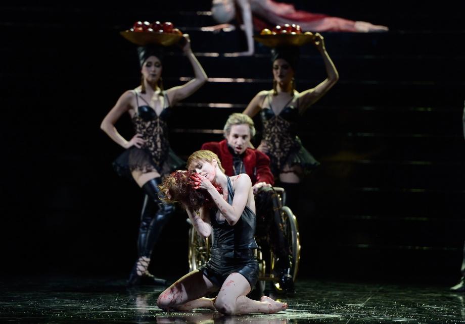 """5. E.Badenes, R.Novitzky, E.Bushuyeva and A.van der Weijde, """"Salome"""" by D.Volpi, Stuttgart Ballet © Stuttgart Ballet 2016"""