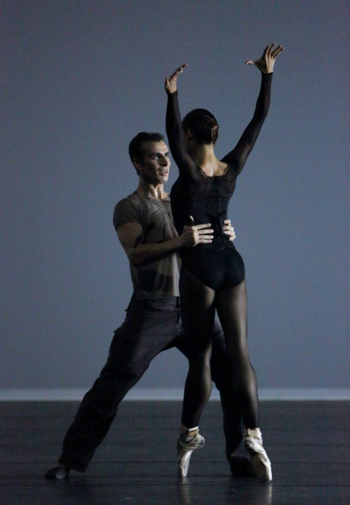 "12. T.Mikayelyan and M.Rudic, ""Unitxt"" by R.Siegal, Bavarian State Ballet © W.Hösl"