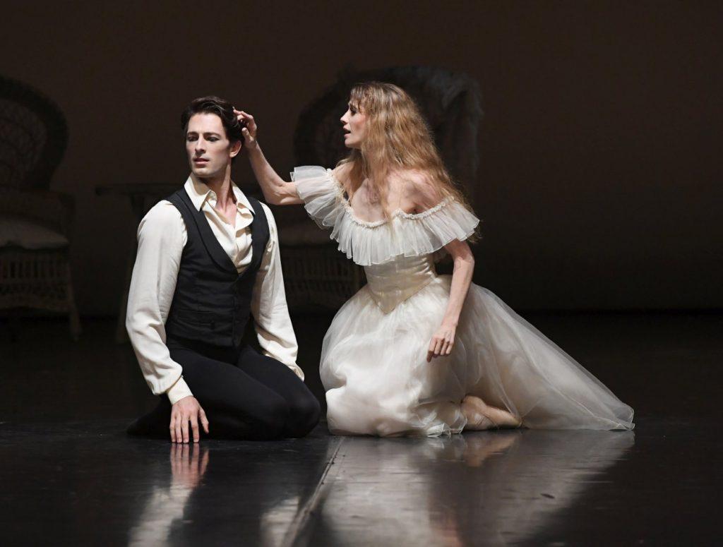"5. M.Ganio and A.Amatriain, ""Lady of the Camellias"" by J.Neumeier, ""Stuttgart Ballet Gala"" © Stuttgart Ballet 2016"