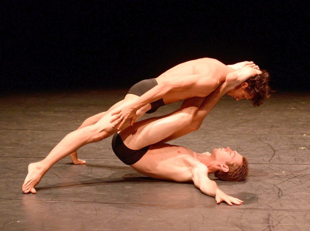 """6. P.von Sternenfels and R.Robinson, """"Orma"""" by M.Bigonzetti, Stuttgart Ballet © Stuttgart Ballet 2016"""