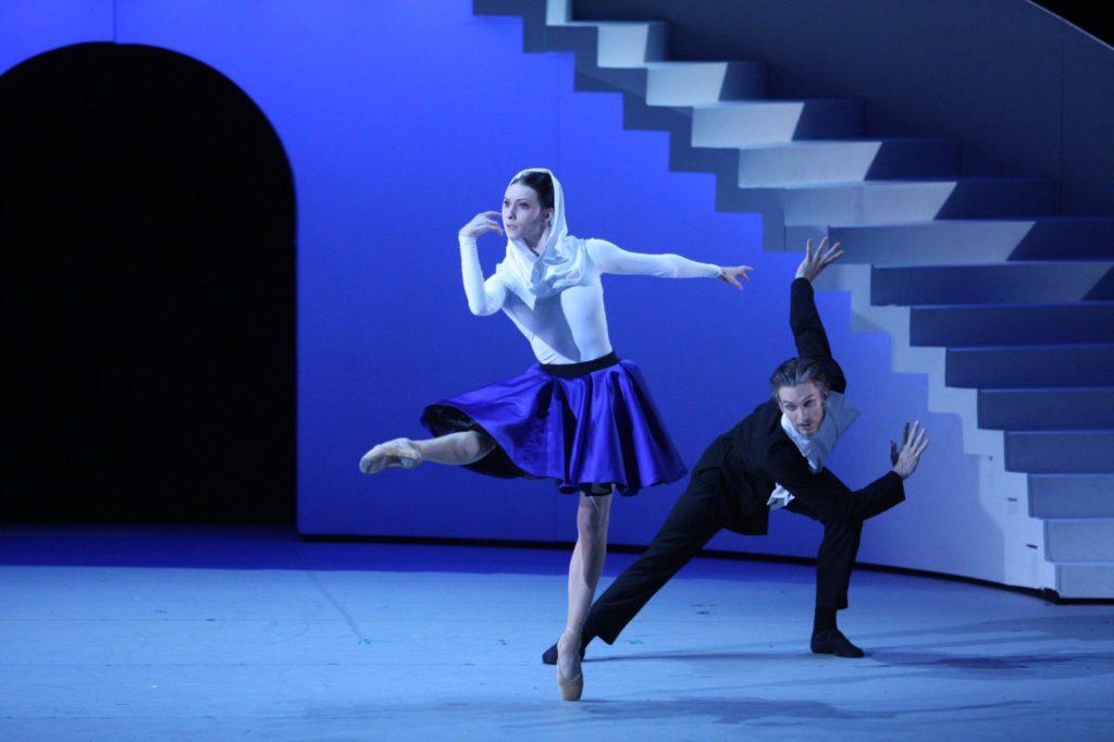 "2. O.Smirnova and A.Belyakov, ""The Taming of the Shrew"" by J.-C.Maillot, Bolshoi Ballet © E.Fetisova/Bolshoi Theatre"