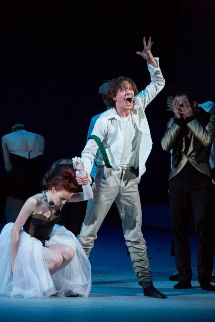 "1. E.Krysanova and V.Lantratov, ""The Taming of the Shrew"" by J.-C.Maillot, Bolshoi Ballet © M.Logvinov/Bolshoi Theatre"