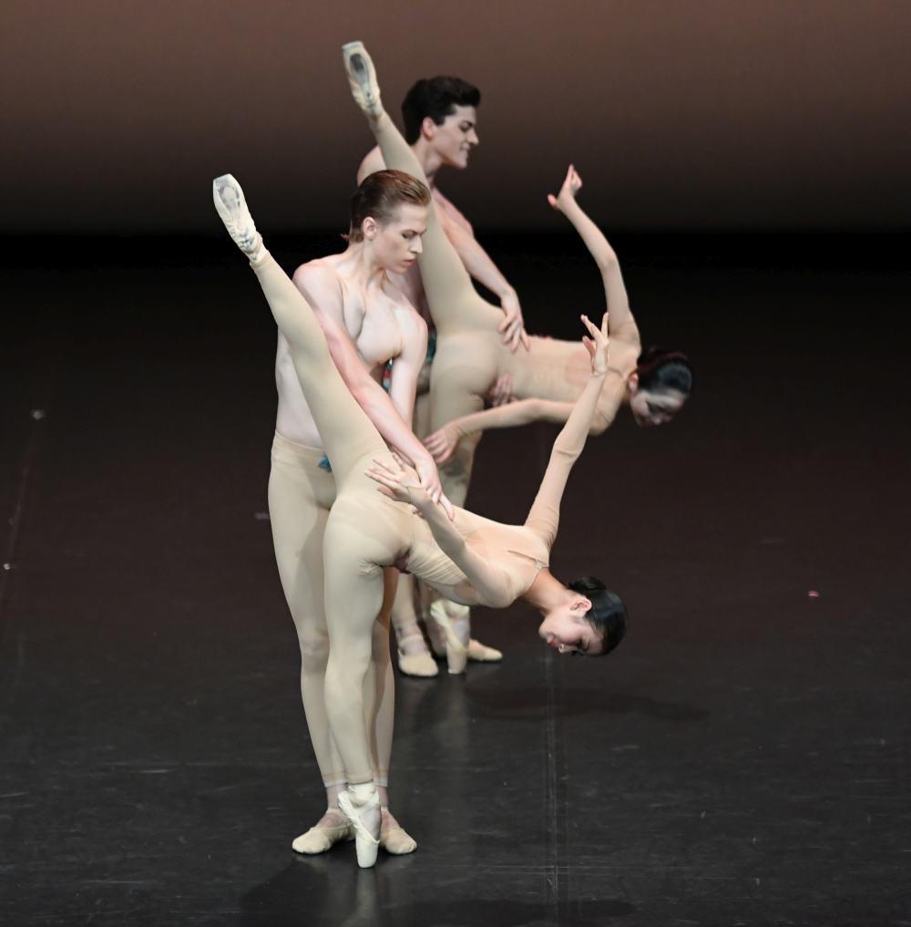 """4. Students of the John Cranko School, """"The Four Seasons"""": """"Spring"""" by K.Kozielska © Stuttgart Ballet 2016"""
