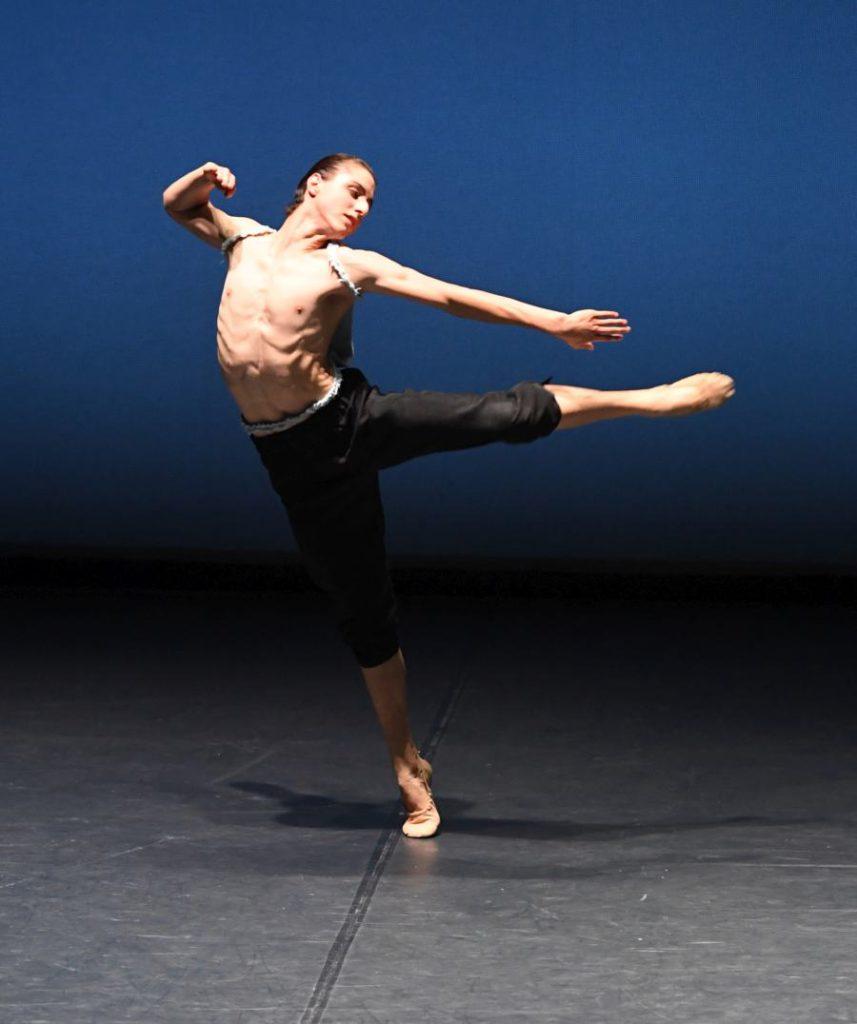 "7. T.Afshar, ""The Four Seasons"": ""Summer"" by L.Stiens © Stuttgart Ballet 2016"