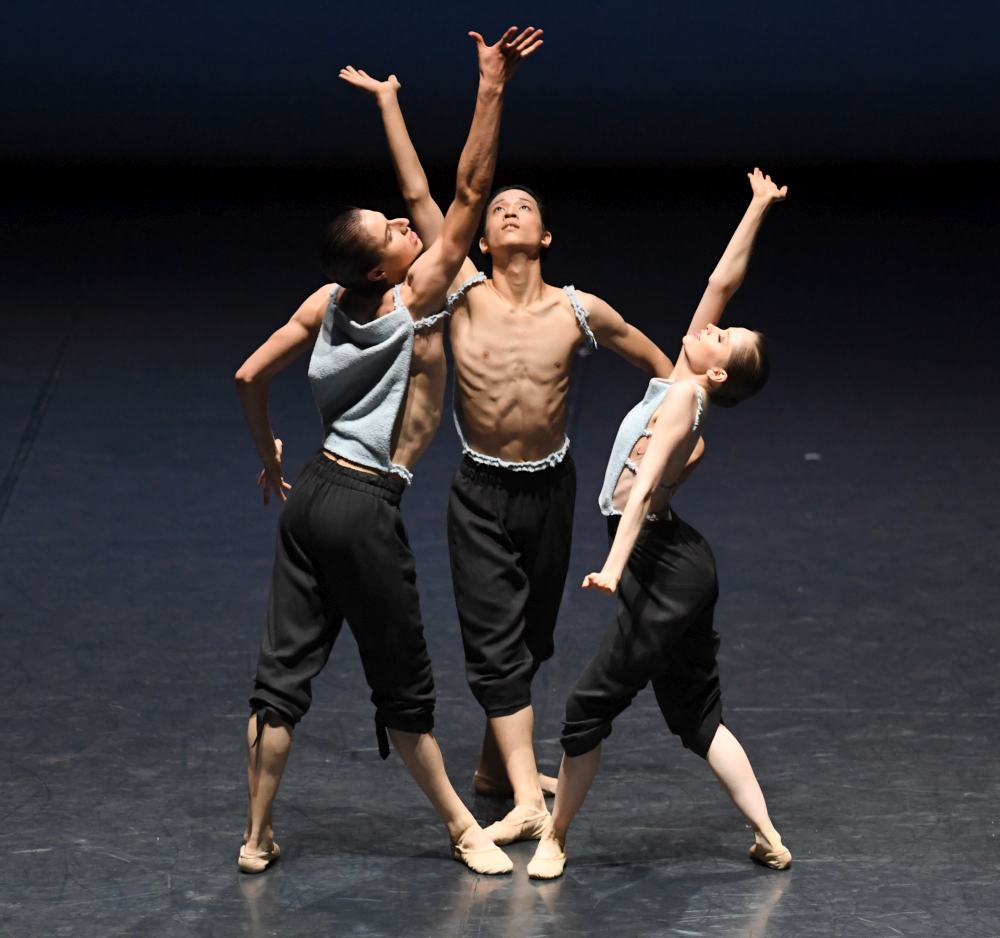 "6. A.McMaster, T.Afshar and R.Ota, ""The Four Seasons"": ""Summer"" by L.Stiens © Stuttgart Ballet 2016"