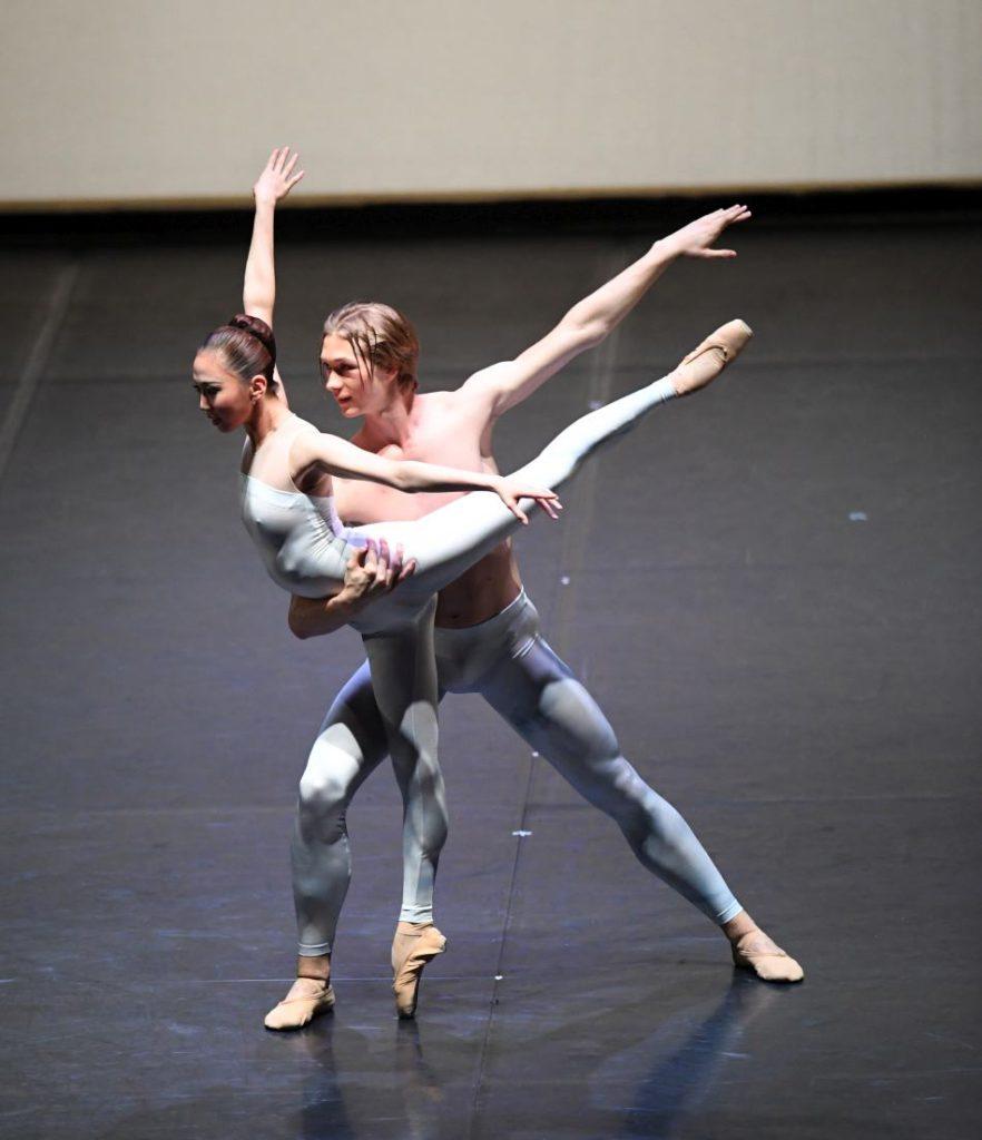 """17. E.S.Kim and N.Korneev, """"The Four Seasons"""": """"Winter"""" by D.Volpi © Stuttgart Ballet 2016"""
