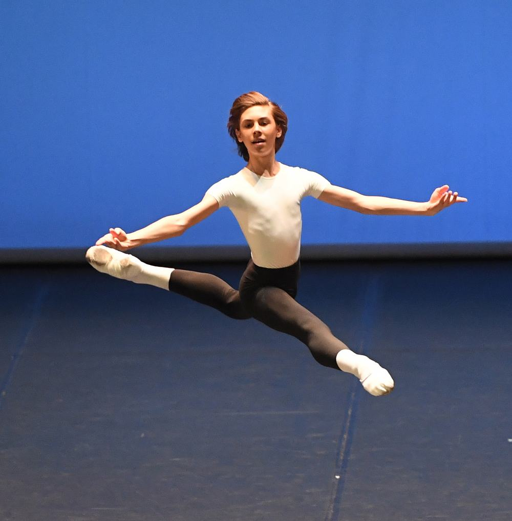 """13. G.Figueredo, """"Etudes"""" by T. and B.Matacz © Stuttgart Ballet 2016"""