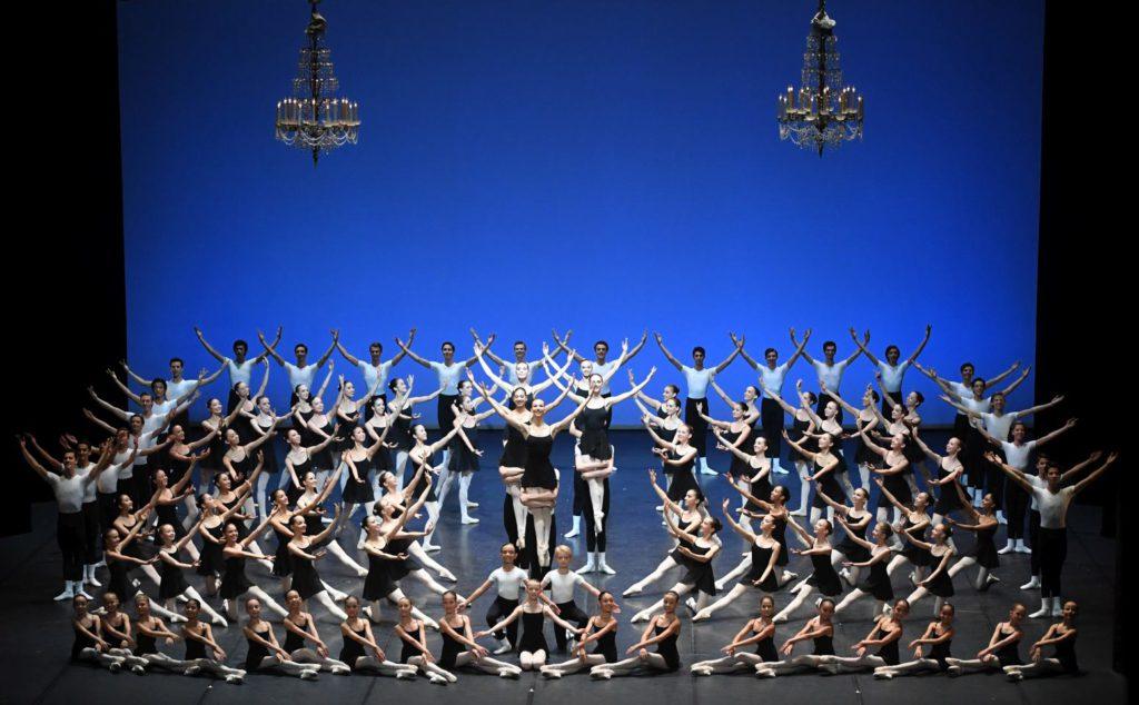 "21. Students of the John Cranko School, ""Etudes"" by T. and B.Matacz © Stuttgart Ballet 2016"