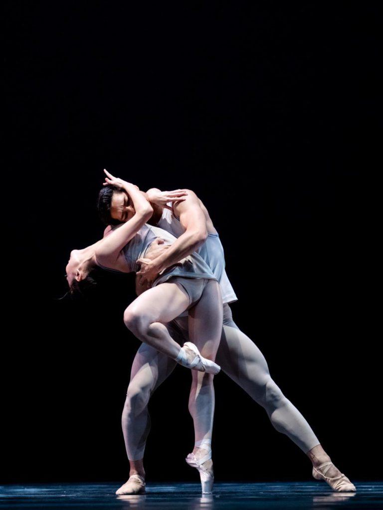 "5. Q.Liu and Y.Gyo Choi, ""Episodes van Fragmenten"" by T.van Schayk, Dutch National Ballet © A.Kaftira 2016"